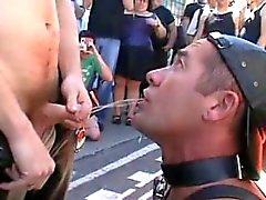 Humana urinoaren @ i Folsom st Fest