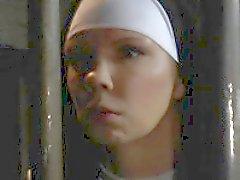Grandi tette nun di troia rimprovera peccatore