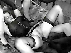 Likaantua huorat käytetään jättiläinen dildoa naida