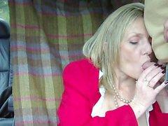 Hot madura rubia fumar mamada
