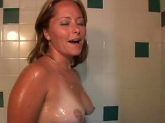 Amazing girl masturbates in the shower