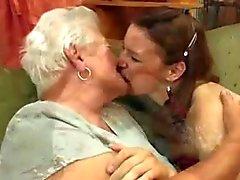 лицам нетрадиционной сексуальной Бабуля