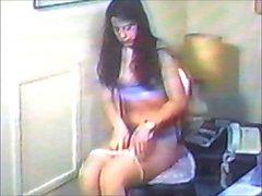 Jolie jeune fille les modèles de de lingerie de de un vicelard