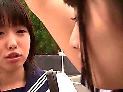 Japanische Schulmädchen Dreifach Beschreibung -Fick mit Dude auf restroom