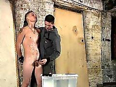 Бесплатная сексуальная черная геем огромный хер порнография пронзили Доминантный а Сади