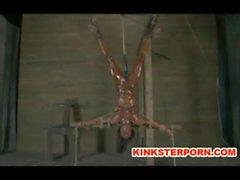 BDSM - Trag geklebte u breiten gespreizten Schenkeln , Ass und cunt folterten