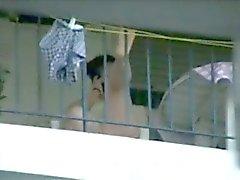 di Balcon misti balkondaki komsular