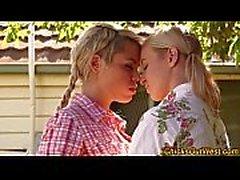 Kusta Australian lesbo