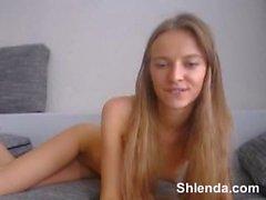 Junge dünne herrlich Schülerin Blondine. Anal vor der Webcam
