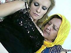 Geile oma houdt van het hebben van lesbische seks part6