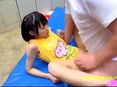 Kleine Tit asiatischen gespielt und gefingert