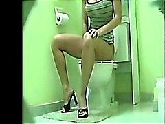 3 Pee Toilet