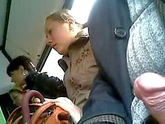 drie vrouwen op de bus