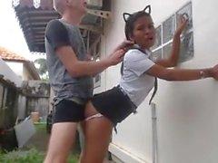 White Guy folla a su criada asiática