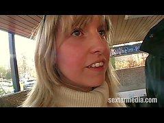 Deutsche Geile Milfärsche beim Streetcasting