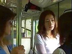 katselevat ( 4 min ) Japani lip Kiss lesbo