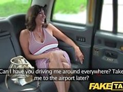 Fake Taxi Sexy Milf mit großen Titten macht anal