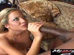 Sophias ta stort svart kranen där knappt passar inuti ...