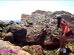 Heather Deep Deepthroat ao ar livre com andorinha HeatherDe