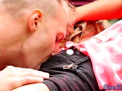 Babe gets jizzed in 3some