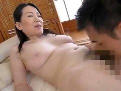 Amateur japanische MILF erste Porno-Szene
