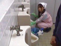 Asya banyo görevlisierkek part1 olduğunu