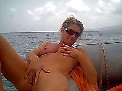 se masturber amateurs le bateau