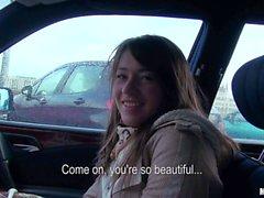 Любительские Anastasia показана ее сиськи в автомобиль