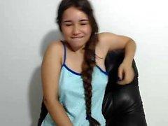 teen cutealysse18 blinkande bröst på live webbkameran
