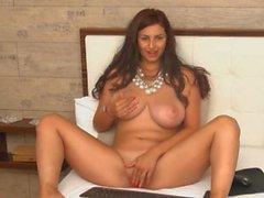 Hot Busty Webcam Babe Finger Fucks Her Pussy