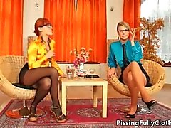 Reizvolle blonde Nutte geilt showing off part5