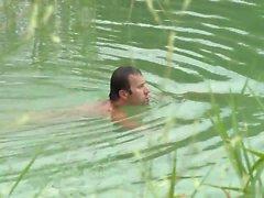 Siro ruskeaverikkö on perseestä pojat avulla jälkeen uida järvi
