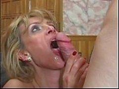 Große Brüste MILF anal