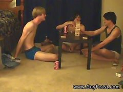 Jeune dutch boy gay porn C'est une longue vidéo pour vous voyeur types qui