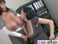 Офиса лесбиянок секс сессии