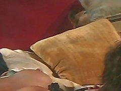 Огромные Boobies брюнетки шлюхой впрыск сырой письки