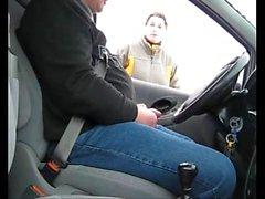 Kiva Car hujaus - She koskenut häneen ulkoilma handjob