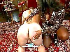 Kinky fantasia de prostituta ligada