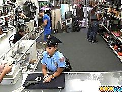 Putain de Policier rencontres Dans Poste Pawnshop