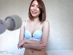 Amateur asiatische Hottie liebäugelt ihre Muschi auf Web-Cam