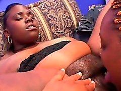 Ebony BBW lesbianas coño lamió y consolador follada