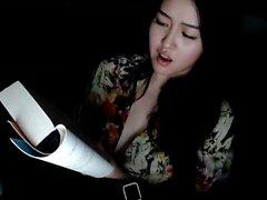 Pechos asiáticos en la webcam pelea no granja s