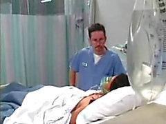 половой с пациентом в больничной тахта