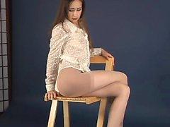 A fulthy brunette Lorena G masturbates