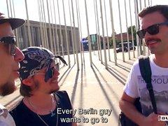 BUMS BUS - Hot rubia checa Karol Lilien se folla por un chico aficionado en la furgoneta