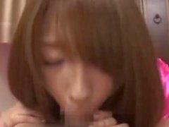 Shiori Kamisaki Cumming med Handjob