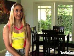 TEENGONZO Lucy Tyler suger kuk och bollarna innan jävla