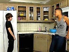 De vídeo Jovencitos a Kyler El musgo está un niño altamente loco and Robbie Hormiga