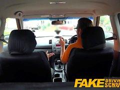 Fake Driving School Descuento sexual para tetas grandes rubia