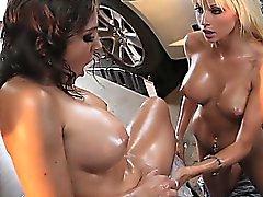 Сексуальная лесби нефть Wrestling